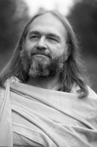 swami-kriyananda-path-look-left