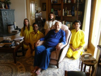 Swami Kriyananda with Monks in Assisi